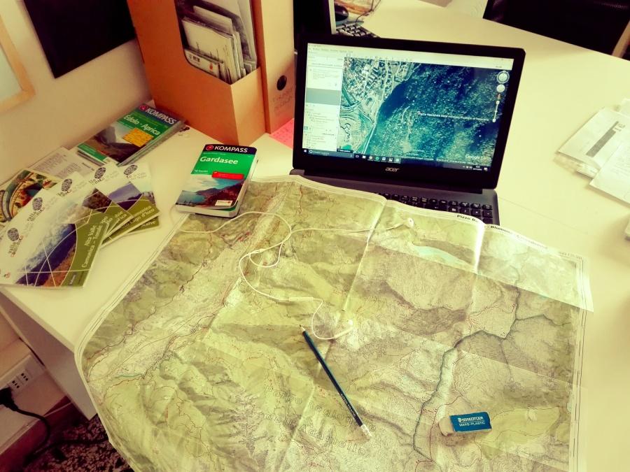 La mia scrivania, più o meno tutti i giorni