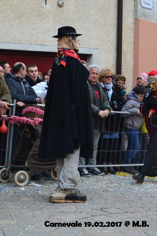 """Vi prego, guardate quei piedi, guardateli!!! - via Facebook """"Carnevale di Livemmo"""""""